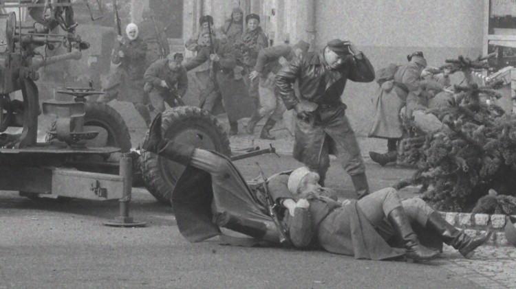 73 lata temu Armia Czerwona wkroczyła do Nowego Stawu – zobacz inscenizację