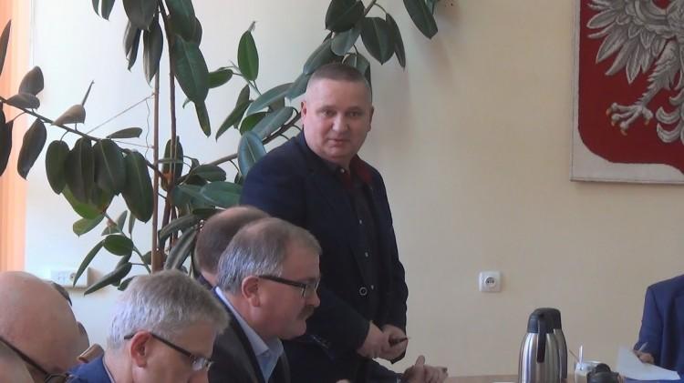 XXXVI sesja Rady Miejskiej w Dzierzgoniu. Ile należy płacić za śmieci? Mieszkanki Żuławki Sztumskiej w sporze o świetlicę ze strażakami...