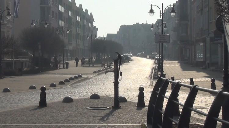 Malbork: O godz. 8.41 zawyły syreny w hołdzie ofiarom katastrofy smoleńskiej