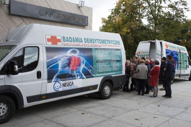 Osteobus odwiedzi Nowy Dwór Gdański! Fundacja NEUCA dla Zdrowia rozpoczęła akcję bezpłatnych badań profilaktycznych