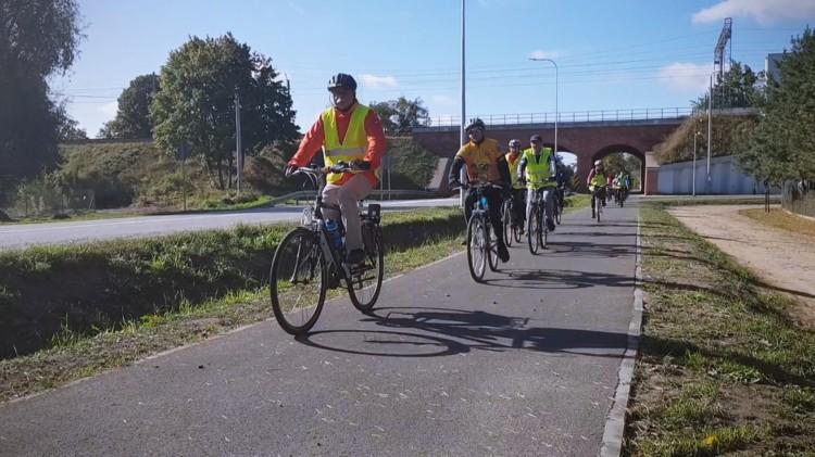 Malbork połączył się z Nowym Stawem. Sprawdź jak rowerzyści ocenili nową ścieżkę.