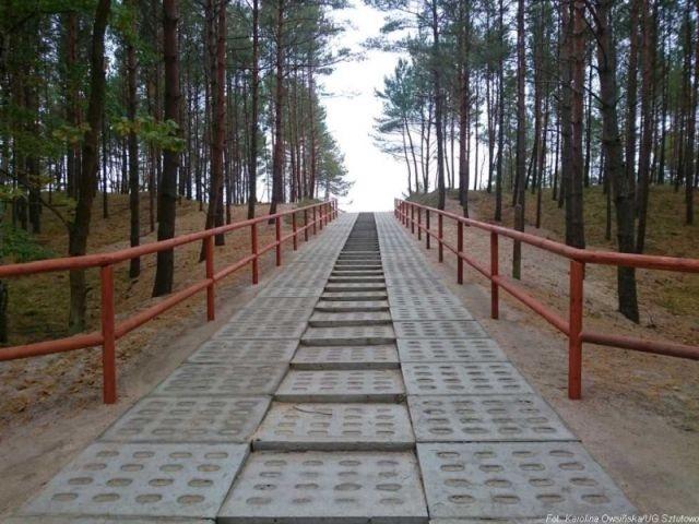 Gmina Sztutowo: Odbiór końcowy inwestycji na zejściach plażowych