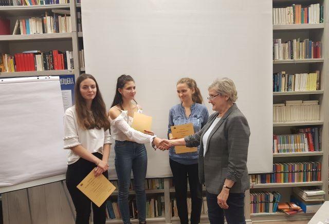 """Zwycięstwo uczennic z II LO w Malborku w konkursie """"Schüleraustausch"""""""