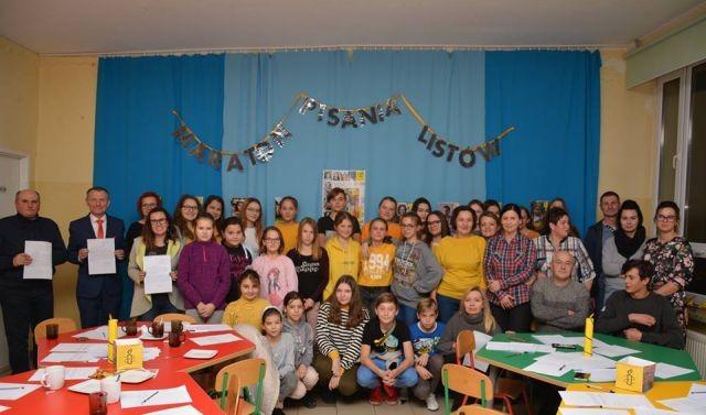 Kmiecin: Maraton Pisania Listów Amnesty International w Zespole Szkolno-Przedszkolnym