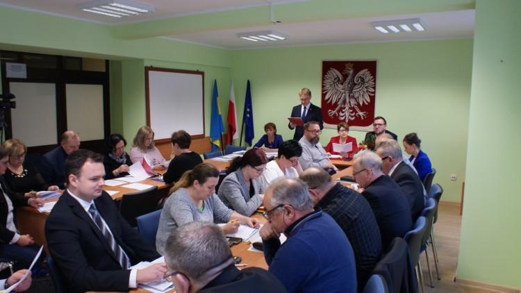 Jakie inwestycje w gminie Sztutowo zaplanowano na 2019 rok? III sesja Rady Gminy.