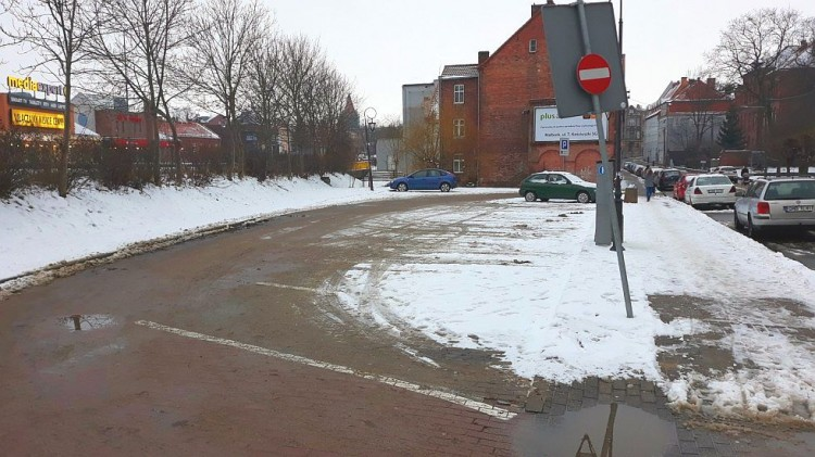 Abonament na miejskich parkingach? Pytamy mieszkańców i Urząd Miasta Malborka