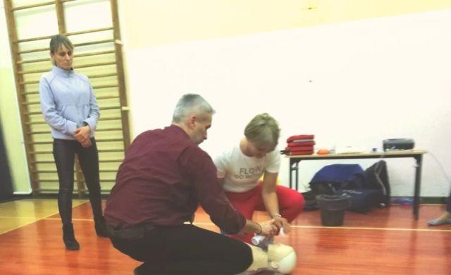 Malbork: Pierwsza pomoc przedmedyczna - szkolenie dla nauczycieli w SP nr 9