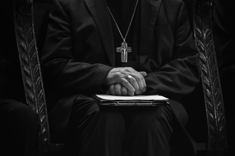 Biskup Elbląski tuszował pedofilię? Jacek Jezierski odpowiada na zarzuty.
