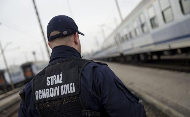 Strzelał w pociągu. 38-latek zatrzymany przez funkcjonariuszy Straży Ochrony Kolei.