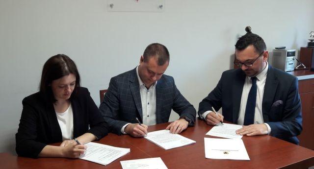 """Festiwal """"Poznajemy Żuławskie Smaki"""" w Miłoradzu. Umowa na dofinansowanie podpisana."""