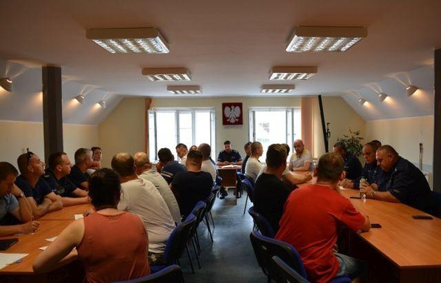 Powiat nowodworski: Odprawa służbowa z policjantami sezonowym