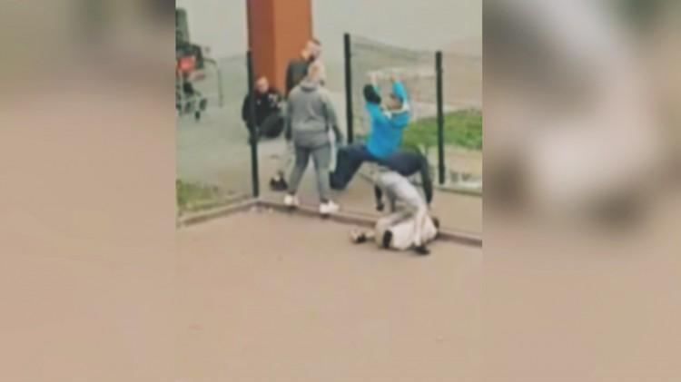 Uderzenia w twarz i kopanie po głowie. Brutalne pobicie w Malborku. Zdarzenie zostało nagrane.