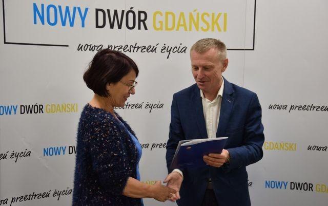 Budowa drogi przy ul. Warszawskiej w Nowym Dworze Gdańskim- podpisanie umowy.