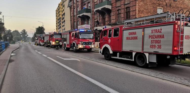 Przez śmieci mogło dojść do tragedii? Pożar na Mickiewicza w Malborku.