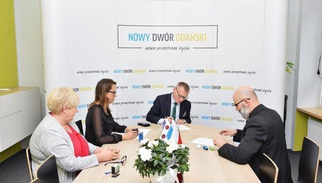 Konkurs FIRST LEGO w Nowym Dworze Gdańskim - podpisano umowę.