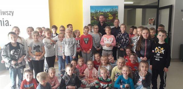 Spotkanie policjantów z dziećmi w Lubieszewie