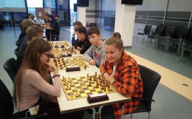 Malbork: Drużyna II LO Wicemistrzami Powiatu w szachach drużynowych