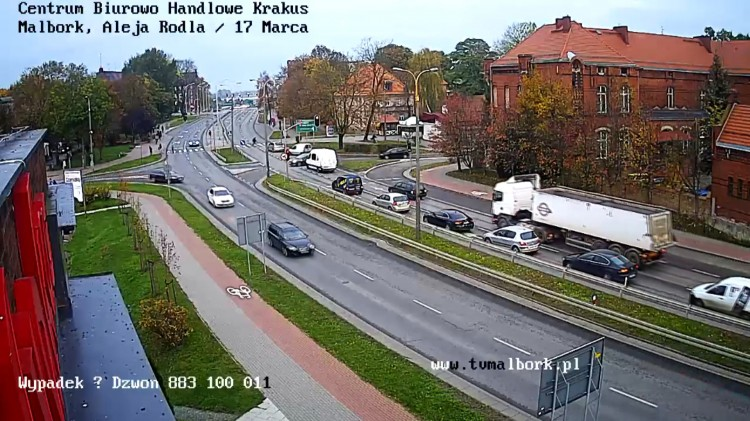 Kierowca zagapił się? O mały włos od tragedii na skrzyżowaniu w Malborku.