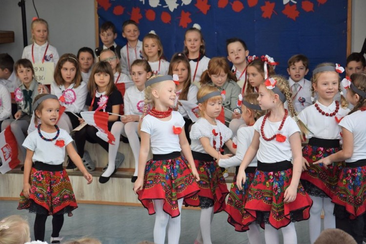 Nowy Dwór Gdański: Uroczyste apele z okazji Narodowego Święta Niepodległości