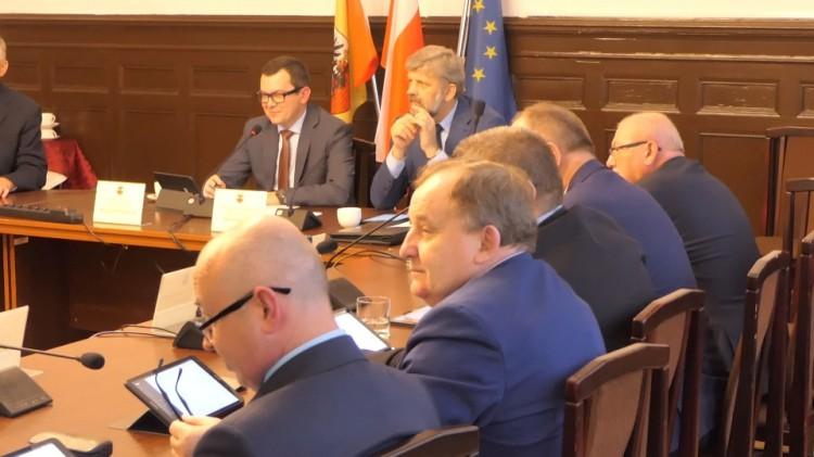 Na uchwalenie przyszłorocznego budżetu powiatu malborskiego trzeba jeszcze poczekać.