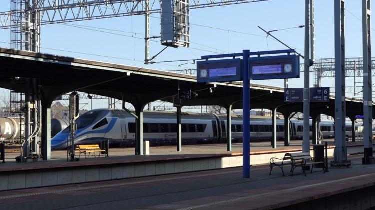 Pociągi Pendolino na trasie Warszawa - Gdańsk pojadą 200 km/h.