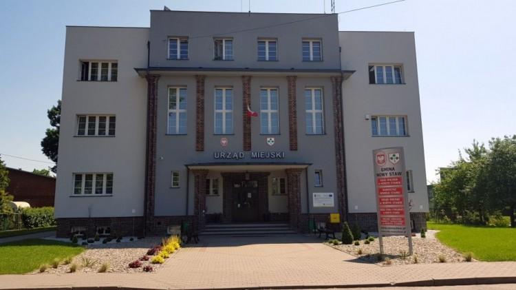Oświadczenie burmistrza Nowego Stawu w związku z zagrożeniem rozprzestrzeniania się koronawirusa SARS-CoV-2 na terenie gminy Nowy Staw.