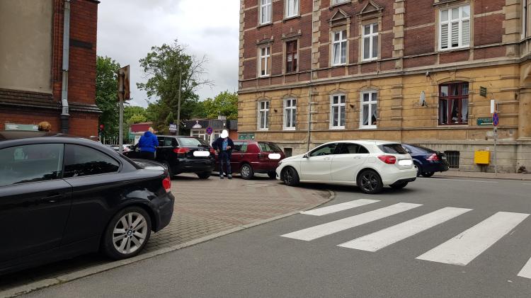 Mistrz (nie tylko) parkowania na 17 Marca w Malborku.