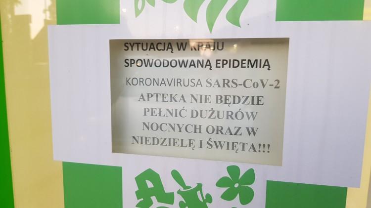 """Uwaga! W """"Miodowej"""" nie zrealizujesz w nocy recepty. Apteka z powodu koronawirusa nie pełni dyżurów nocnych."""