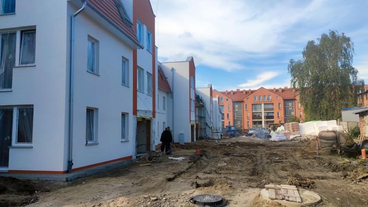 Postępy prac przy budynku wielorodzinnym przy ul. Pasteura w Malborku.
