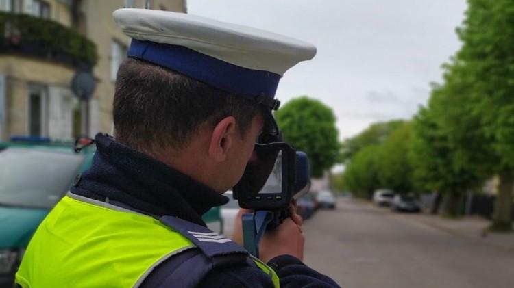 """Nowy Dwór Gdański. Uwaga, kierowcy! Dzisiaj policyjna akcja """"Prędkość""""."""