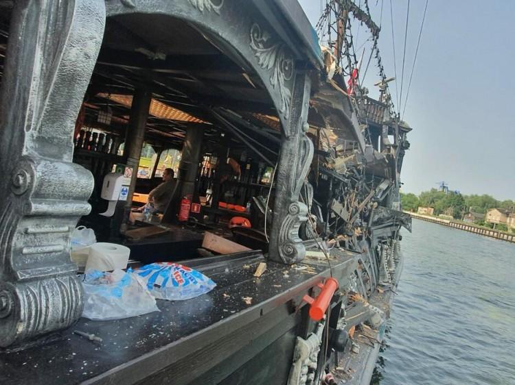 Kolizja dwóch jednostek na Motławie. Pięć osób trafiło do szpitala. Sternik i mechanik