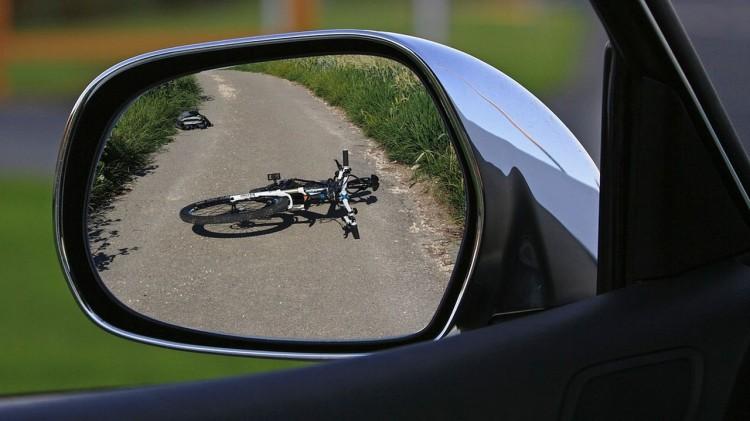 Rowerzysta chciał uniknąć zderzenia z pojazdem – weekendowy raport malborskich służb mundurowych.