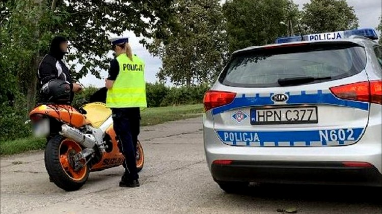 """Malbork. Podsumowanie policyjnej akcji """"Motocykle""""."""
