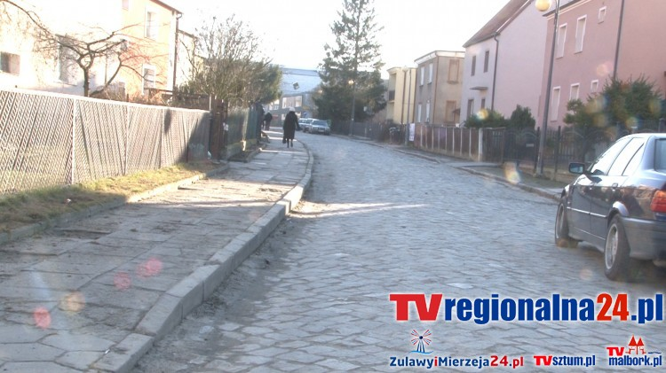 Kiedy będzie położony nowy chodnik przy ul. Okrzei i Jagiellońskiej – mieszkańcy Malborka pytają burmistrza – 17.02.2016