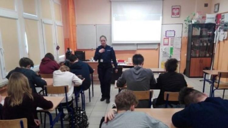 Mikoszewo: W Szkole Podstawowej o uzależnieniach i nie tylko. Spotkanie…