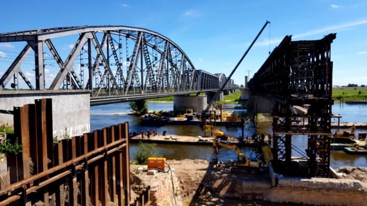 Trwa remont mostu w Tczewie. Niestety inwestycja potrwa jeszcze długie…